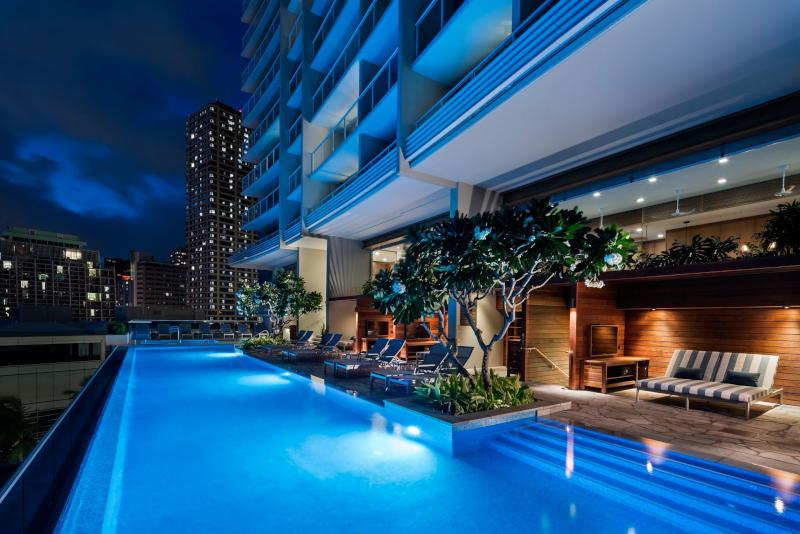 Real Select at The Ritz-Carlton Residences, Waikiki Beach 5* - Oahu